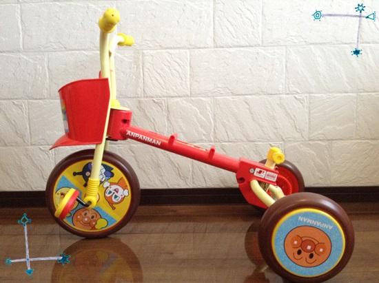 アンパンマン 三輪車 組立途中
