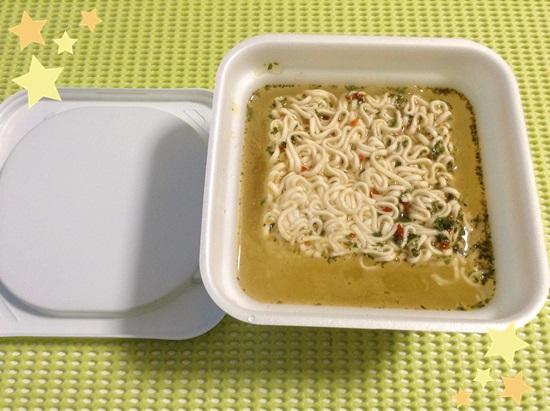 東京拉麺 ペペロンチーノ
